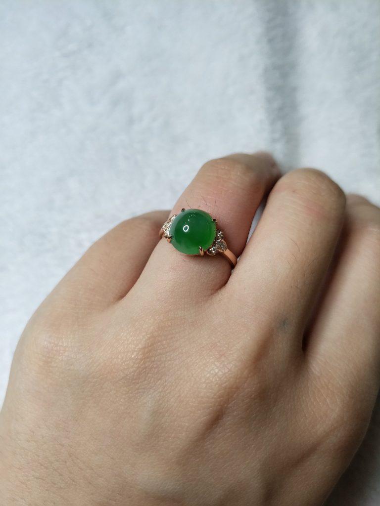 Amuleto de jade verde