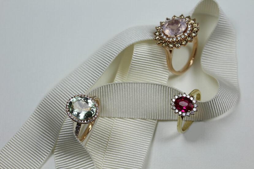 anillos con piedras preciosas como amuleto de protección